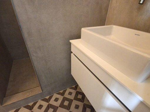 Création d'une douche à l'italienne et ouverture de pièce