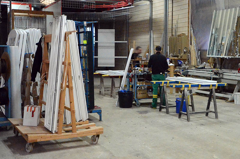 Fabrication informatis e et usinage robotis en usine for Fabricant fenetre bois