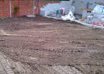 Nivelage du terrain et nettoyage du chantier