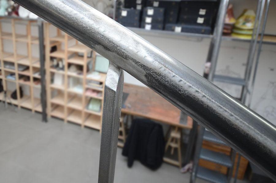 Fabrication d'une main courante en acier poli