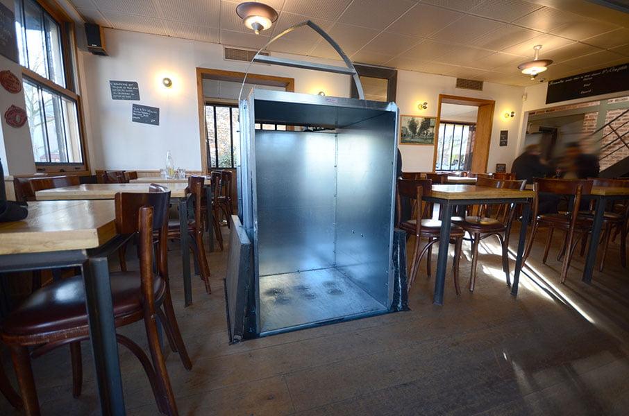 travaux d 39 agrandissement d 39 une cave vin d 39 un restaurant. Black Bedroom Furniture Sets. Home Design Ideas