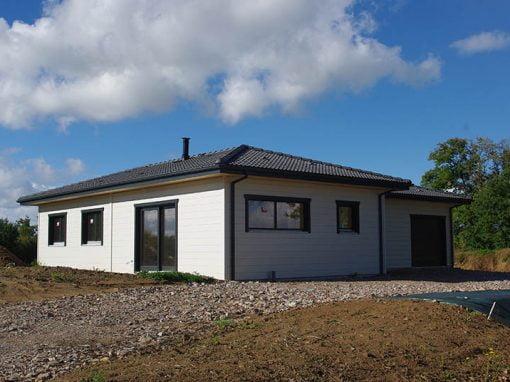 une architecture simple dans l 39 air du temps drop. Black Bedroom Furniture Sets. Home Design Ideas