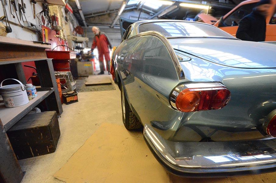 Aménagement d'un garage autos anciennes Volvo à Montreuil