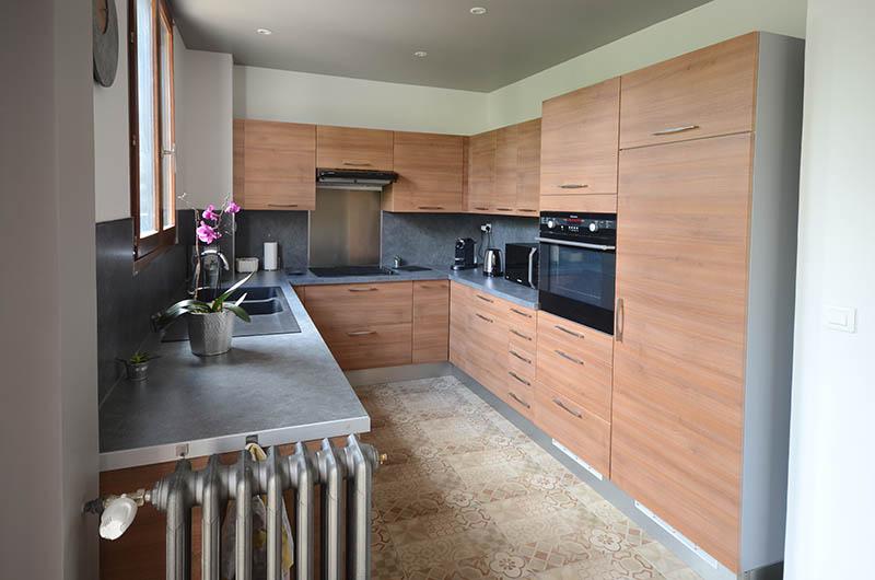 Décoration d\'une cuisine et d\'une entrée de pavillon à Epinay-sur-Seine