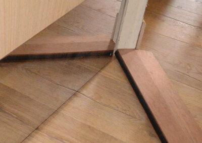 Joint accoustique en bas de porte