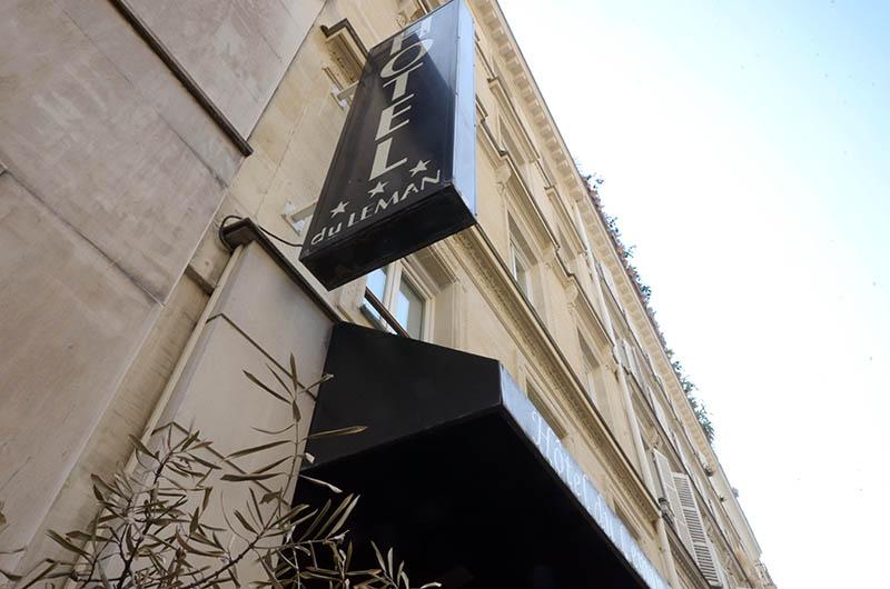 Pose parquet flottant dans un hotel à Paris