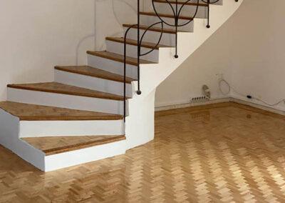 Travaux d'habillage d'un escalier en bois