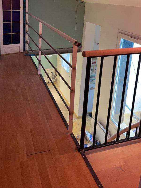 Pose d'une escalier en colimaçon à Montreuil