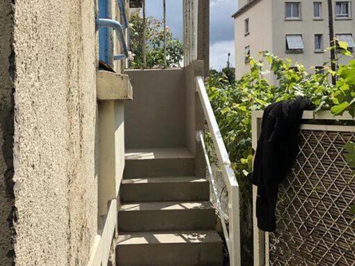 Rénovation d'un escalier en béton d'une maison à Montreuil